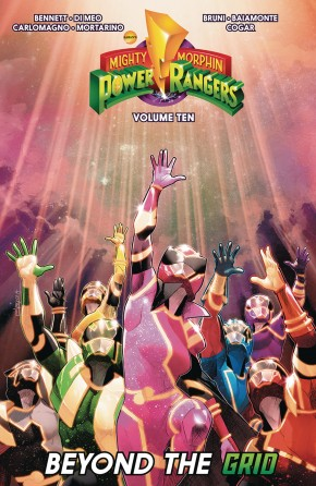 MIGHTY MORPHIN POWER RANGERS VOLUME 10 GRAPHIC NOVEL