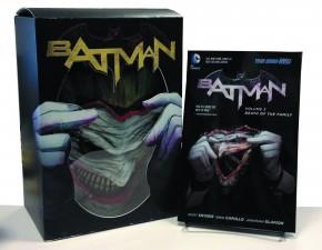 BATMAN VOLUME 3 DEATH OF THE FAMILY GRAPHIC NOVEL AND JOKER MASK SET